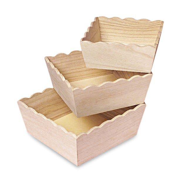 Scalloped Wood Tray 9 x 9 x 4