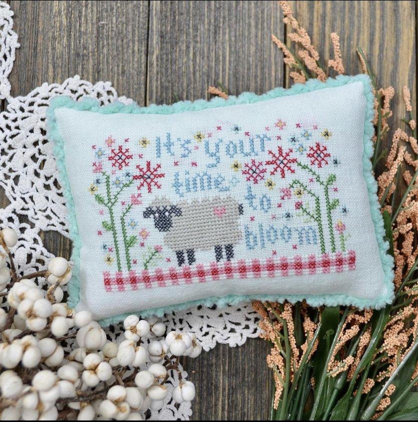 Annie Beez Folk Art Time to Bloom