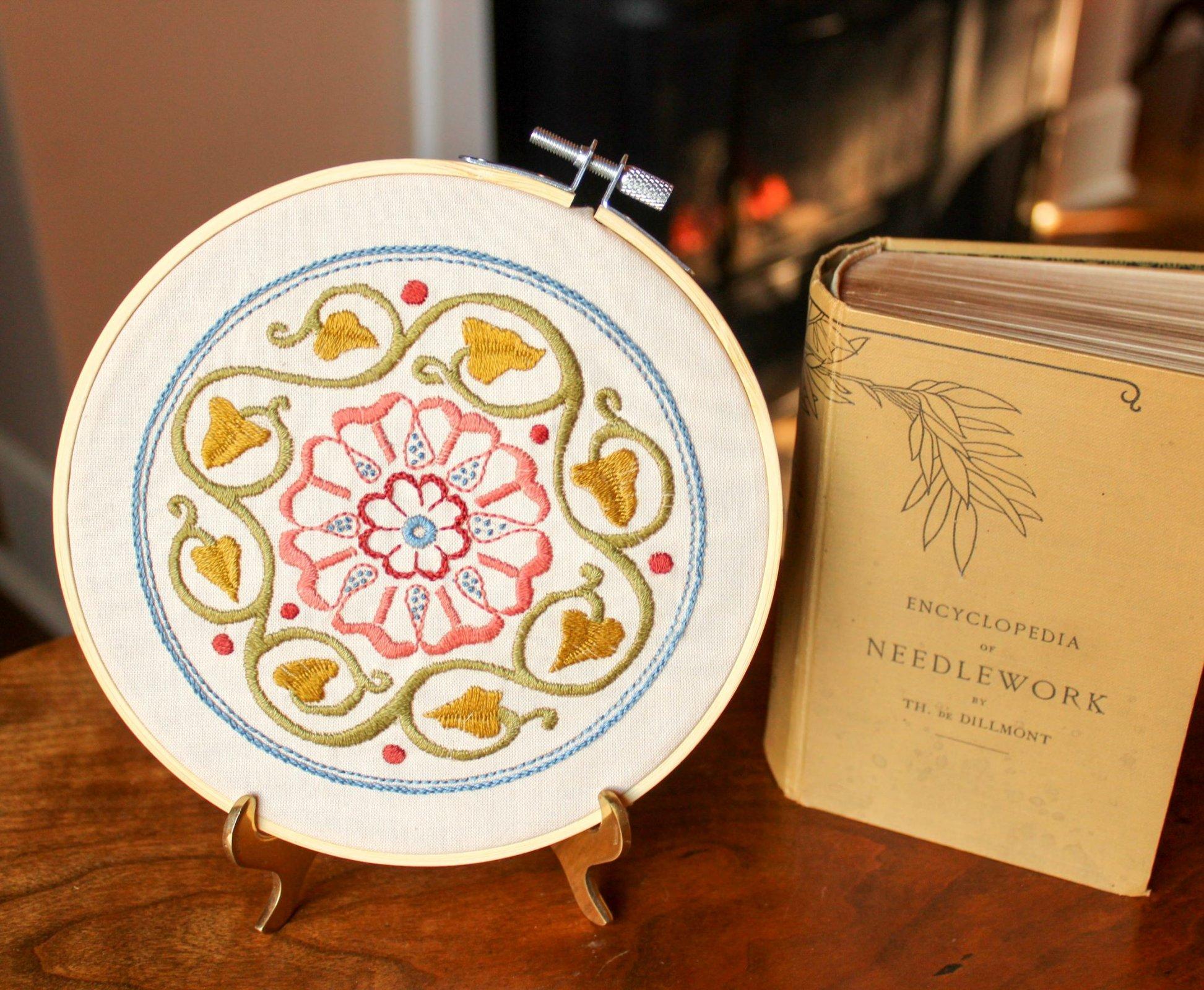 Avlea Arcadia Rose Embroidery Kit