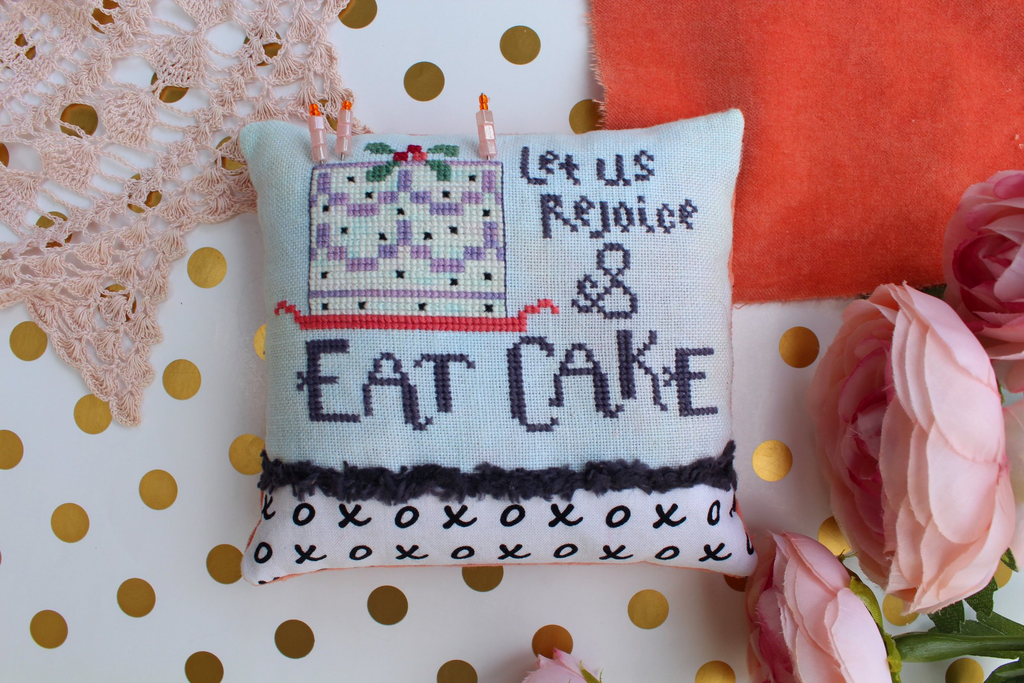 Lindy Stitches Limited Edition Eat Cake Pincushion Kit