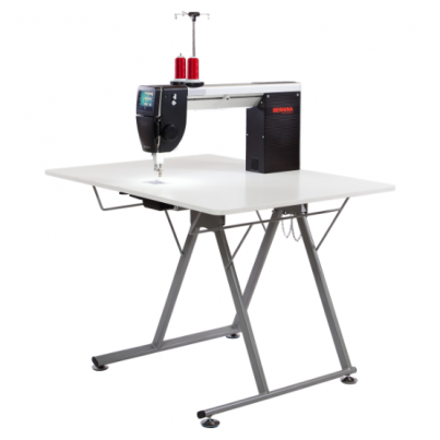 q20 with folding table