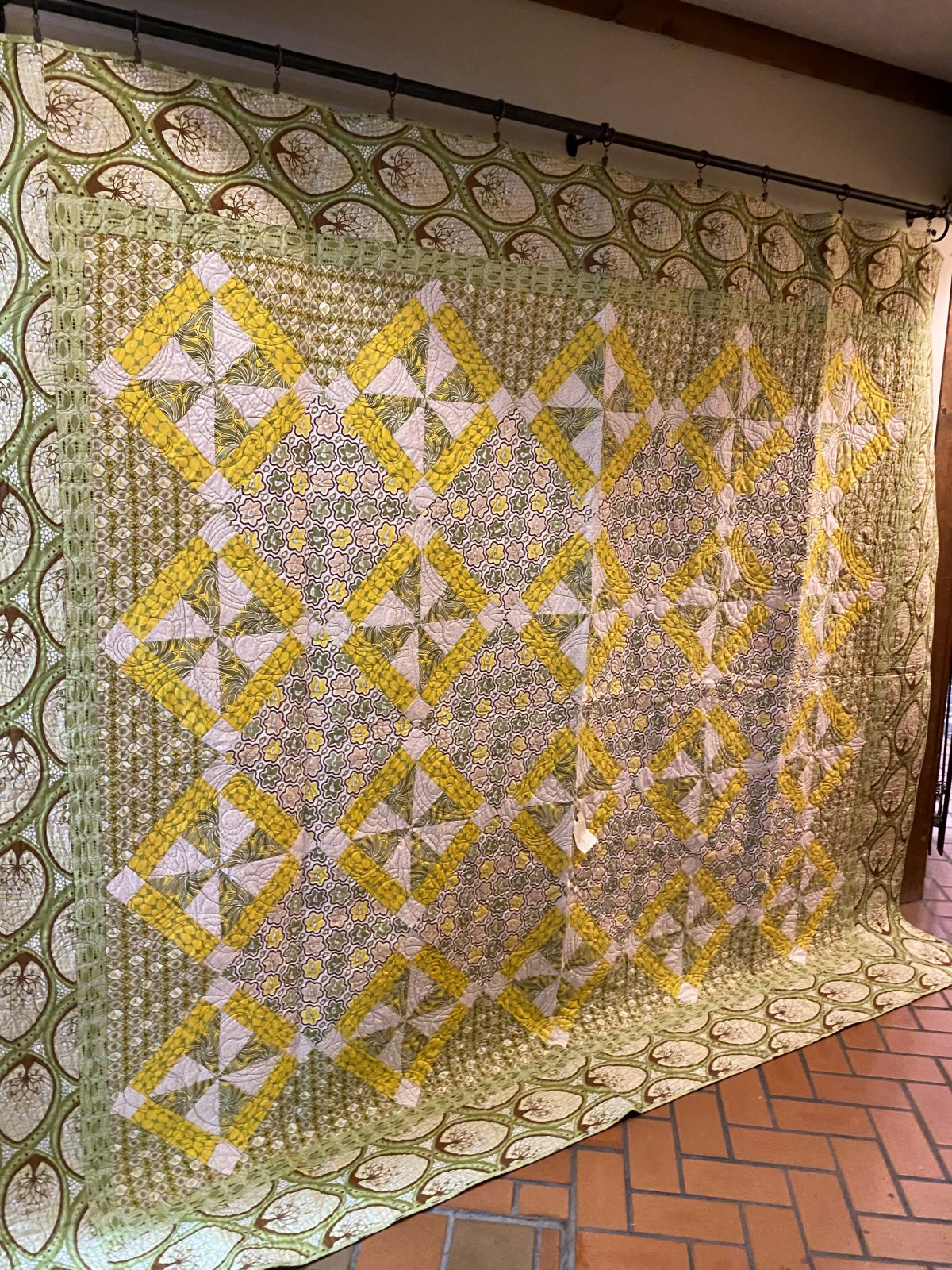 Pear Tree queen-size quilt-McCall's Quick Quilts feature