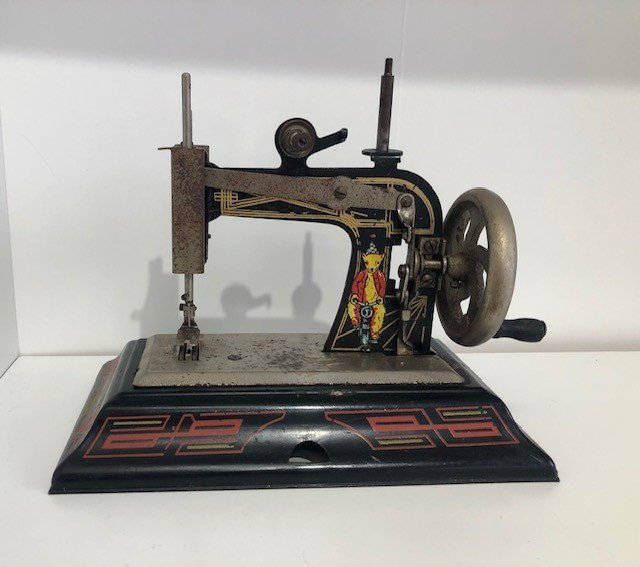 Black Cartoon Bear Casige Vintage Toy Sewing Machine