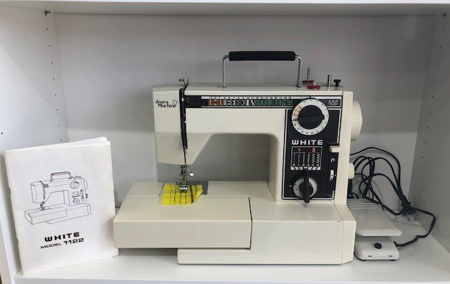 Pre-Owned White Jeans Machine model 1122