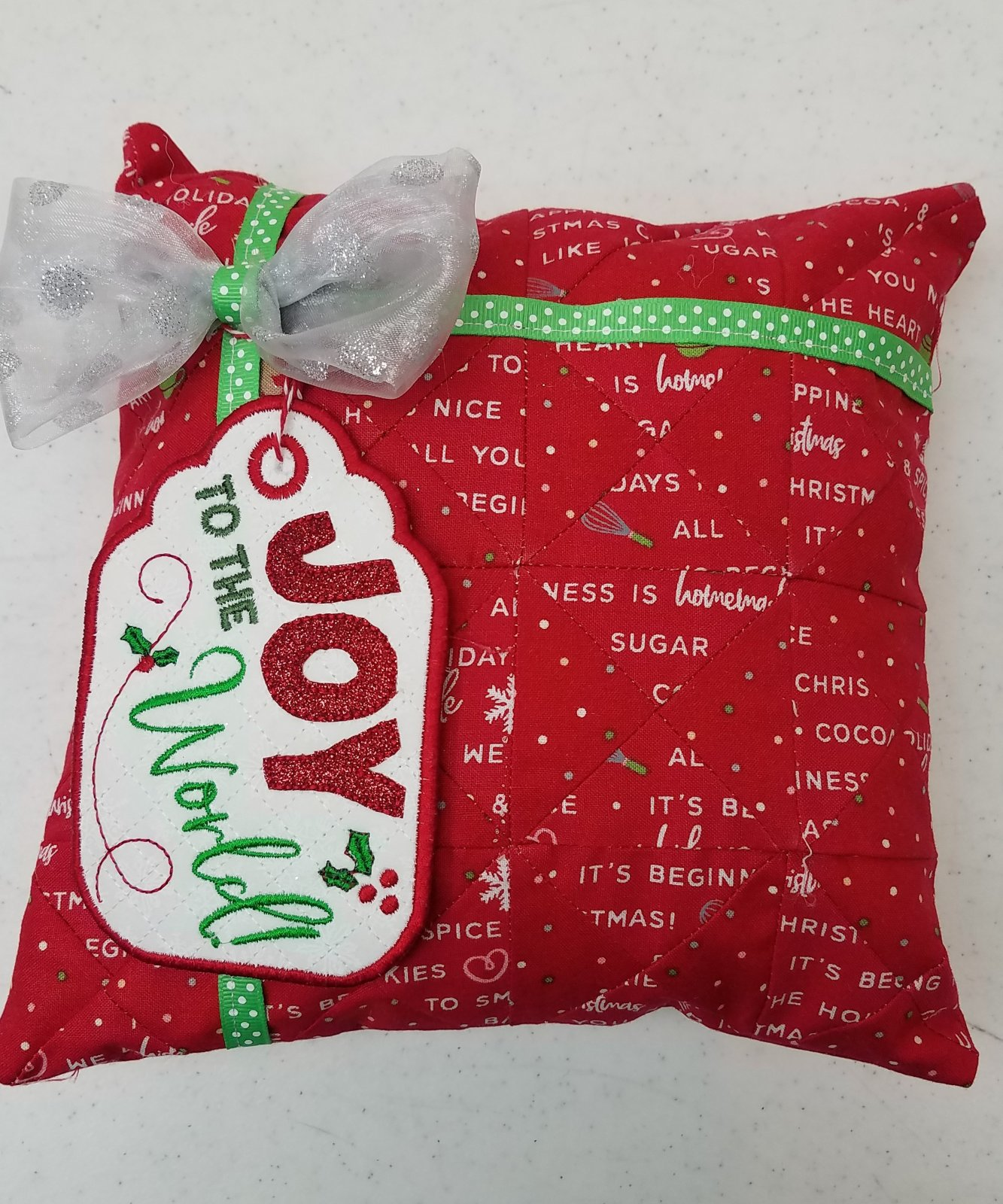 December Bench Buddies Christmas Present Pillow KIt