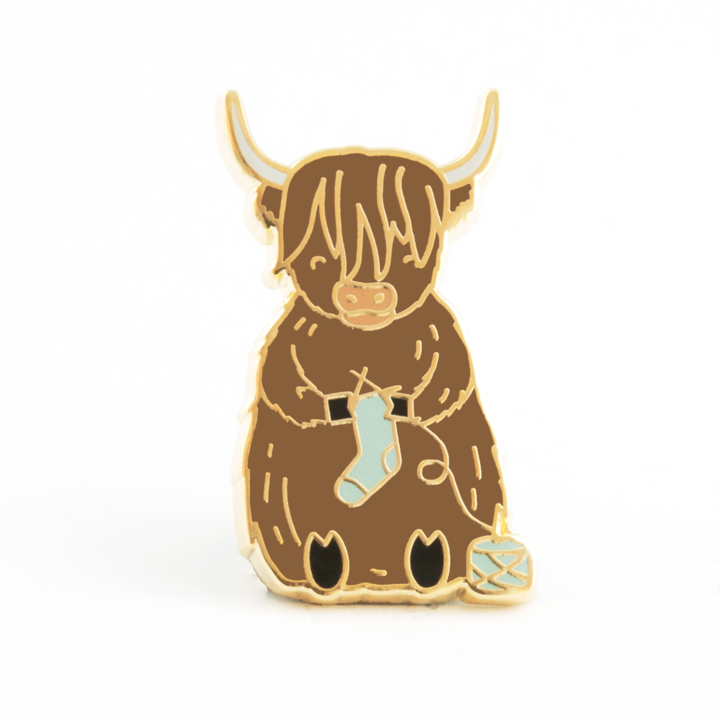 ENAMEL PIN Sebastian the Highland Cow