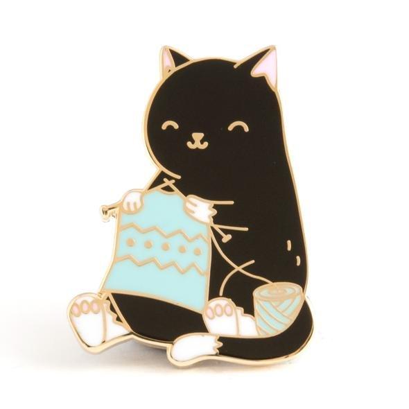 ENAMEL PIN Cat Knitting