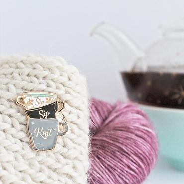 ENAMEL PIN Sip Sip Knit