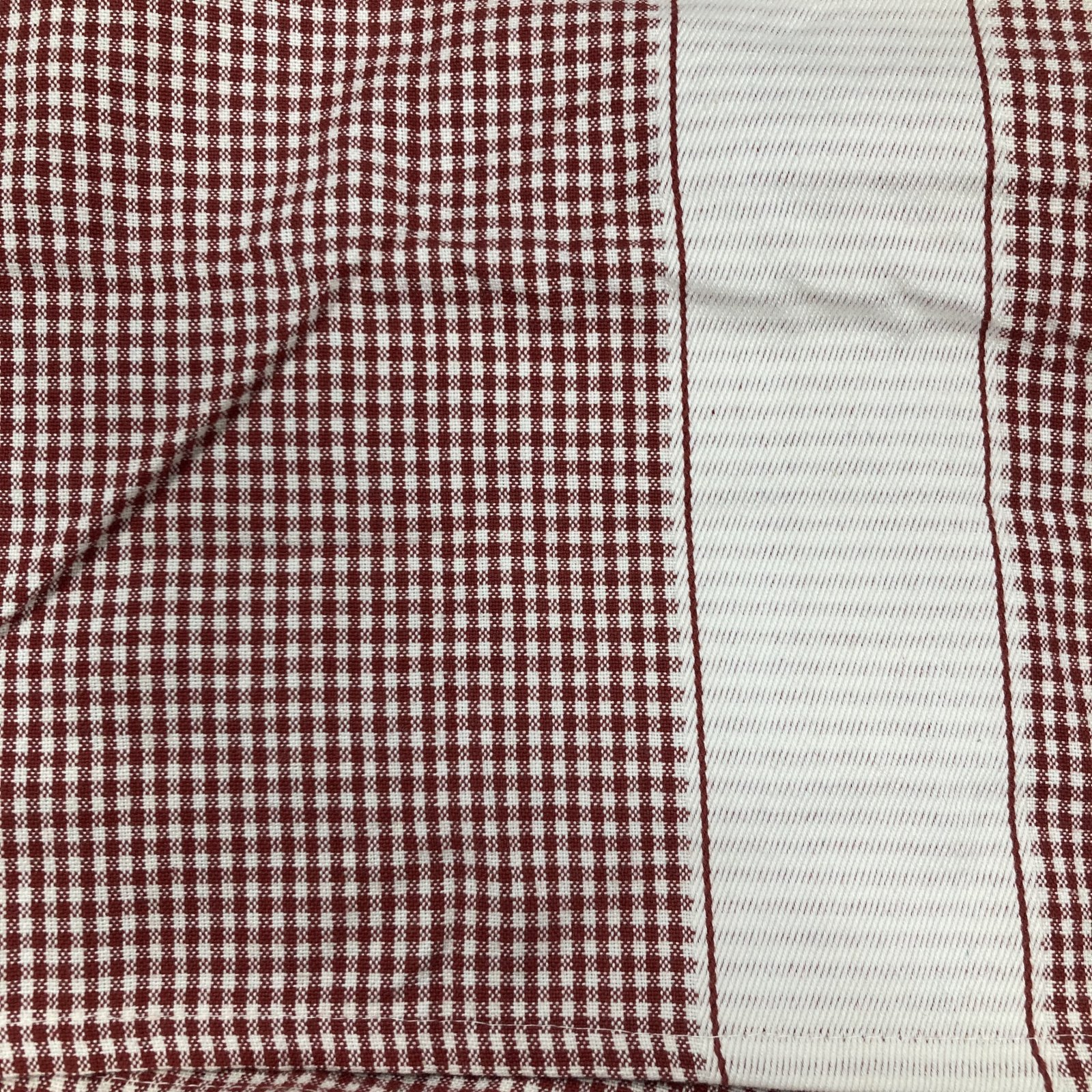 Dunroven House Tea TowelRed/Cream Gingham w/ accent stripe