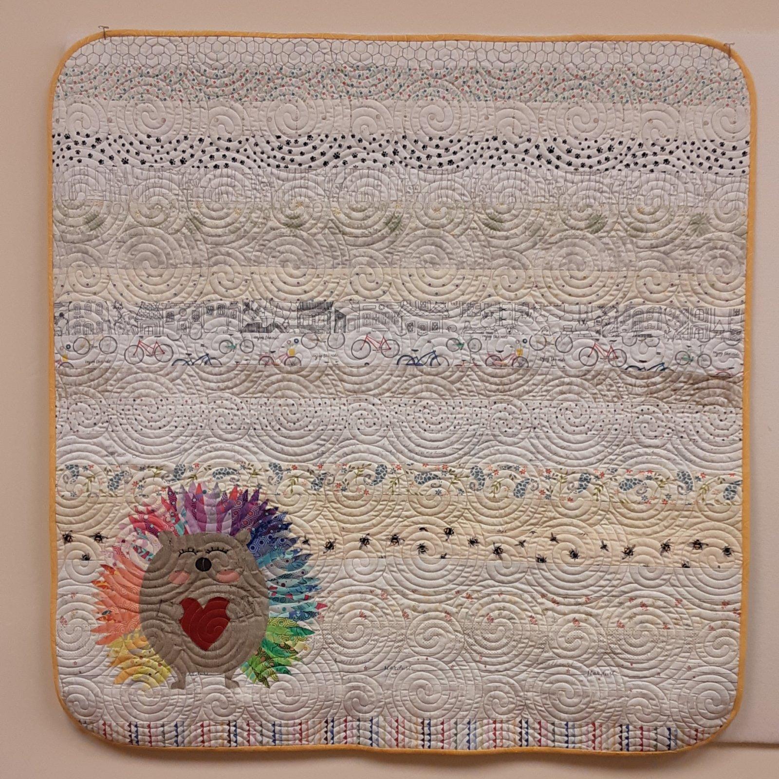 Elsie Avenue Hedghog Quilt Kit