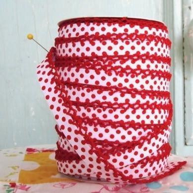 Crochet Edge Bias Red dot on white