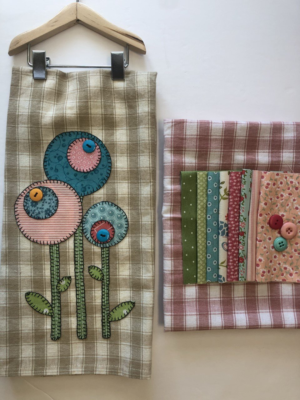 Retro Flowers Tea Towel Kit