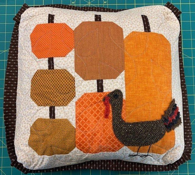 Pumpkins Pillow 16 (pillow form not incl.)