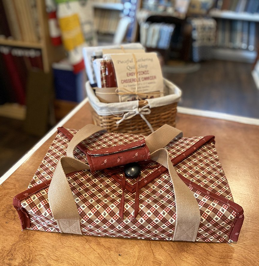 Easy Picnic Casserole Carrier Red