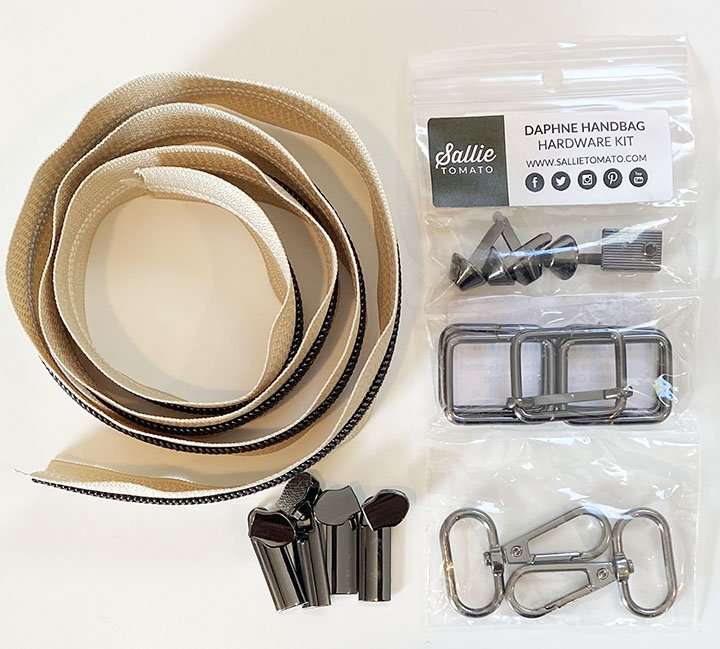 Daphne Handbag Zippers & Hardware Beige/Gunmetal