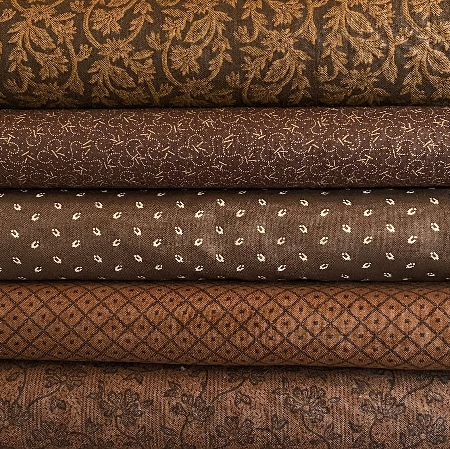 Dark Brown 5 Fat Quarter Bundle