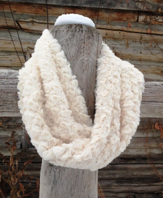 Infinity Scarf Ivory Tile Ready to Wear