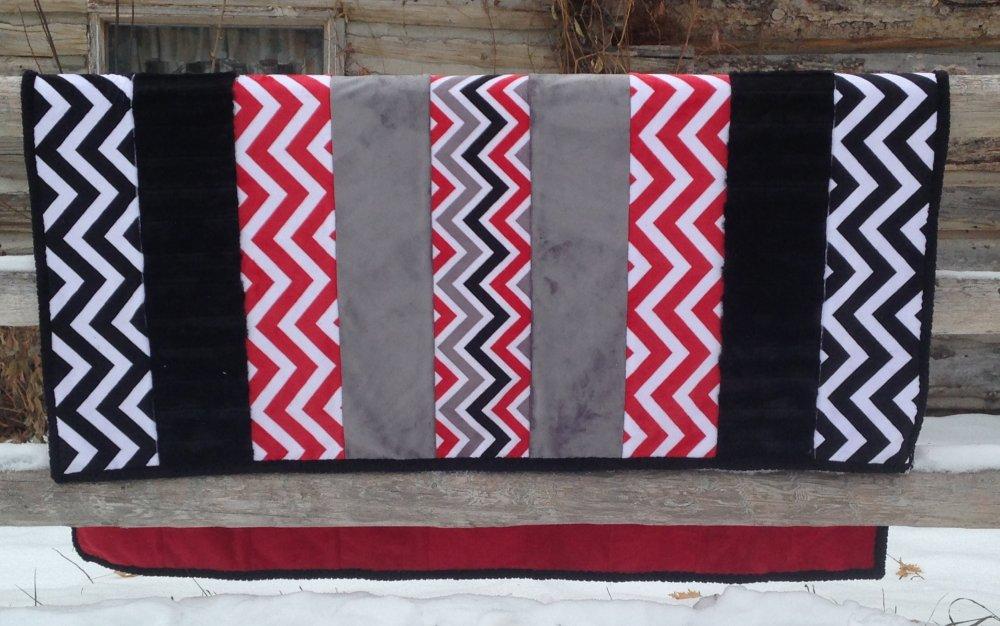 Tweener Chevron, Red, black and Grey