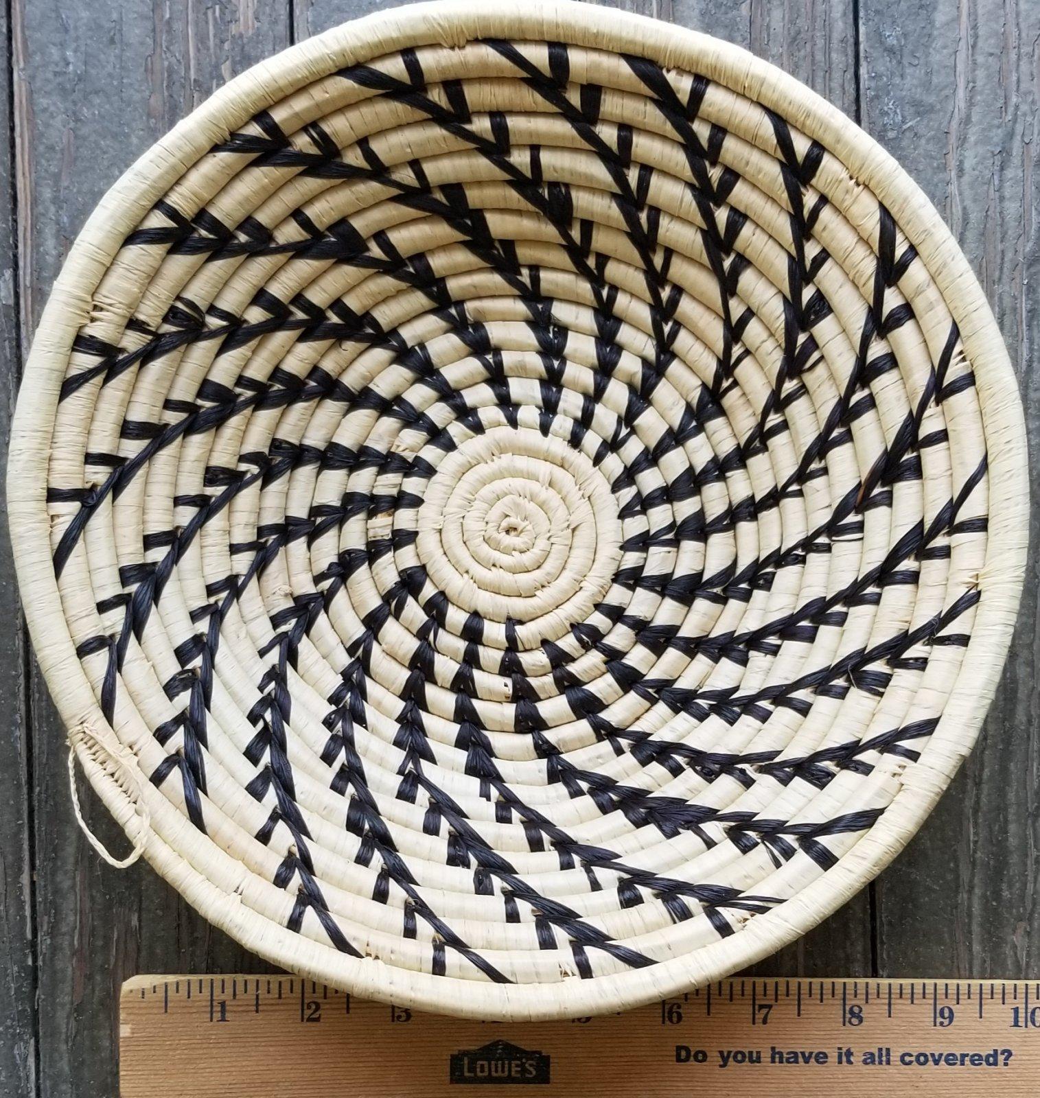10 Uganda Basket With Black Stripes #011