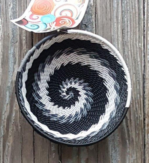 4 Telephone Wire Basket #039