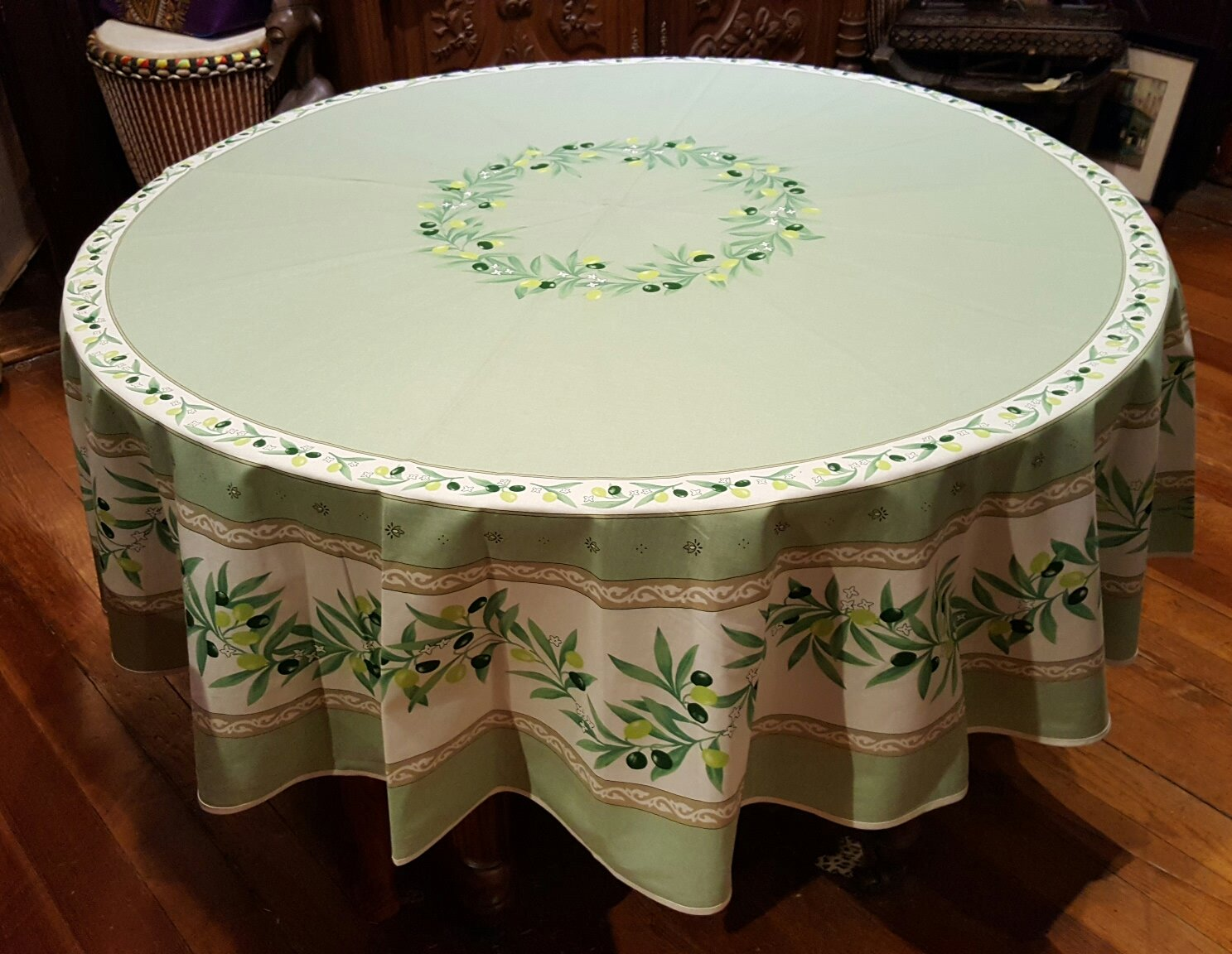 70 French Acrylic-Coated Round Tablecloth Ramatuelle (Green)