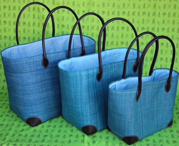 Madagascar Raffia Bag in Turquoise