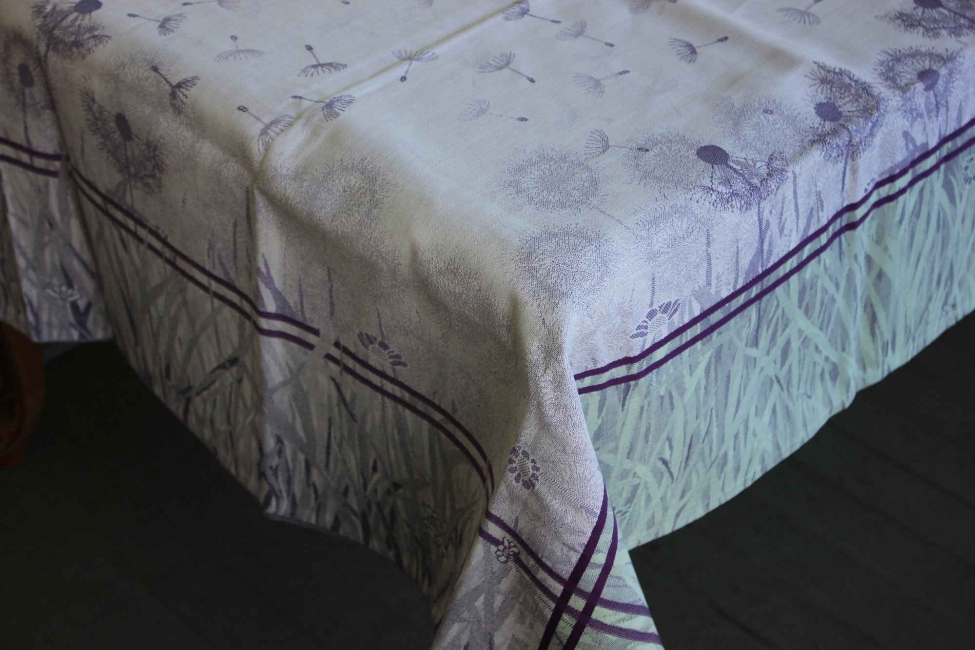 3 Sizes French Jacquard Tablecloths Dandelions (White)