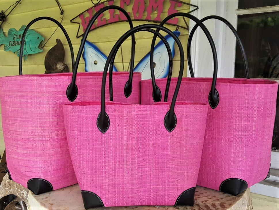 Madagascar Raffia Bag in Candy Pink