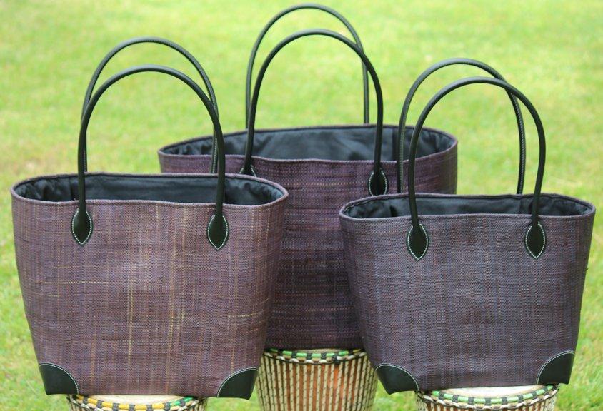Madagascar Raffia Bag in Taupe/Gray