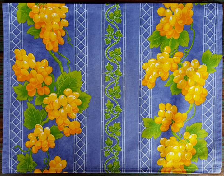 Acrylic Coated French Reversible Placemat Grapes (Blue)
