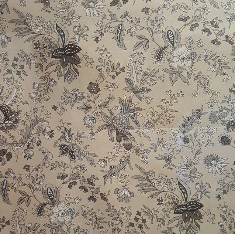 French Tan Versailles quilt piece #617