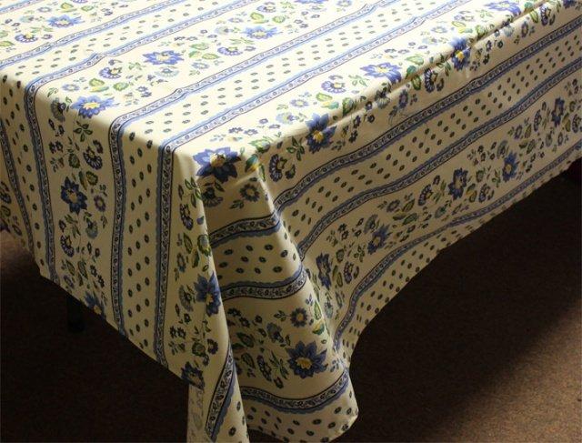 96 French Acrylic-Coated Rectangular Tablecloth Faience (Cream-Blue)