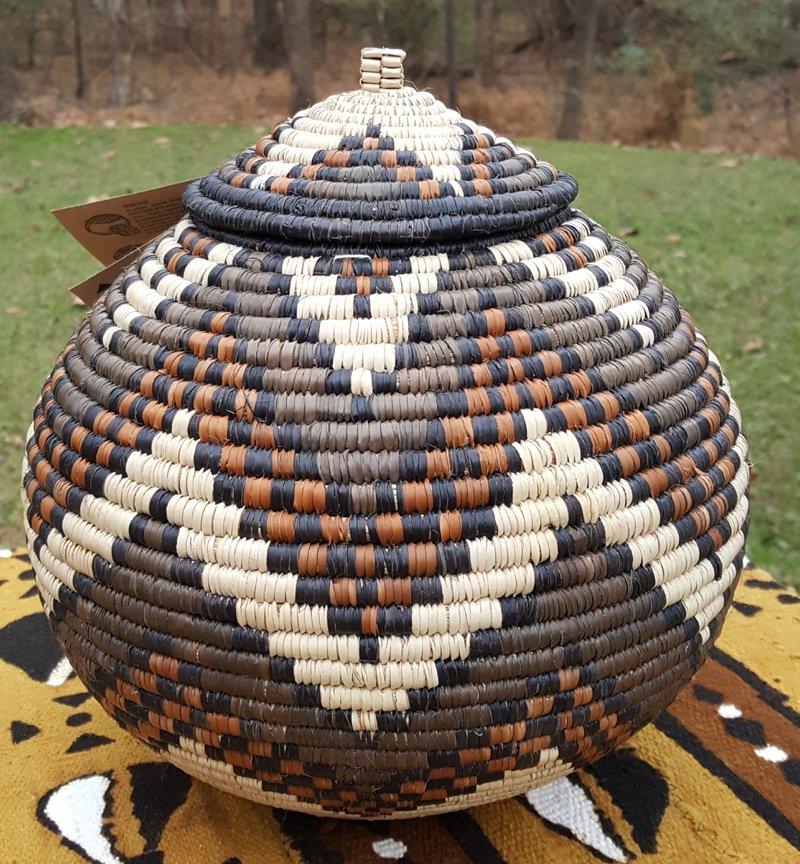 10.5 Zulu Ukhamba Basket