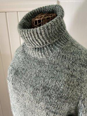 Terrazzo Sweater in Viola and Cascade 220 Fingering