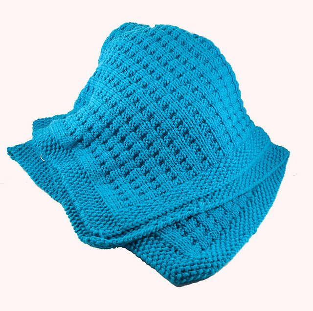 knot another hat cuddly baby blanket (.pdf download)