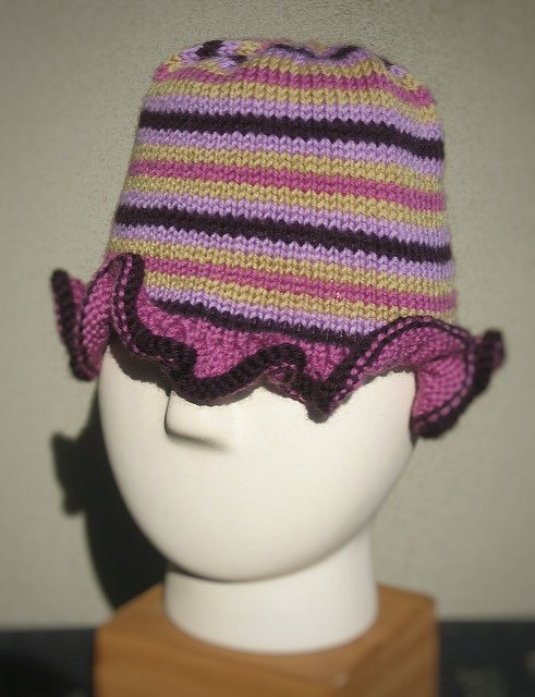 knot another hat stripes & ruffles hat (.pdf download)
