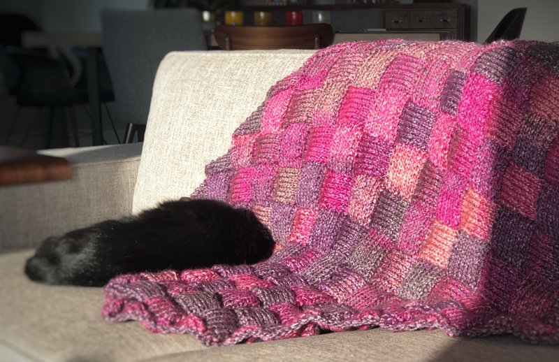 knot another hat berry basket blanket (download)