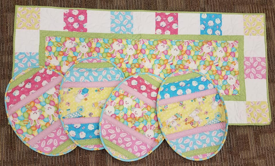 Hop To It- Table Runner and Place Mats Kit
