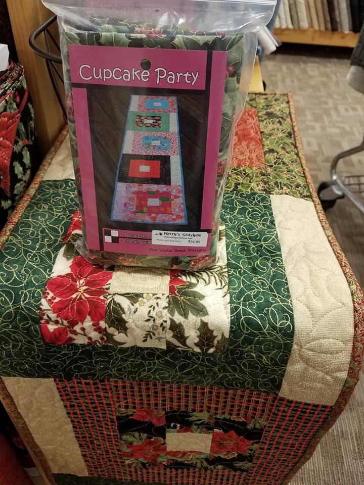 Christmas Metallic- Cupcake Party Table Runner Kit