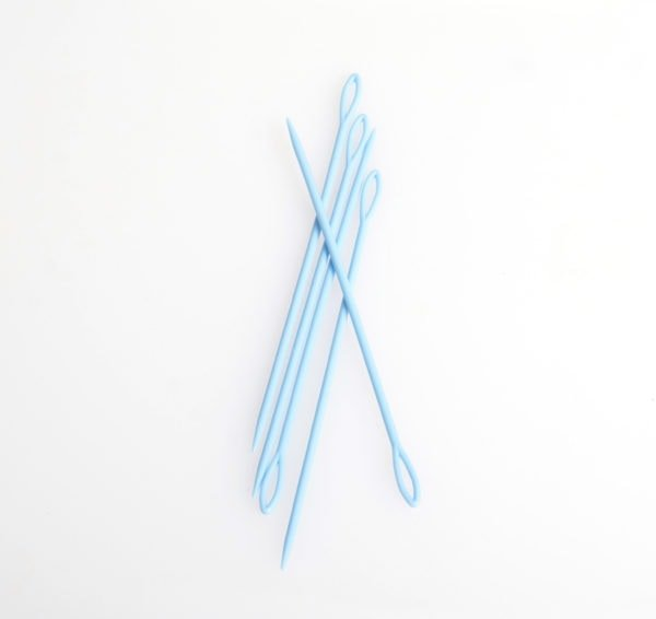 6 Plastic Weaving Needle