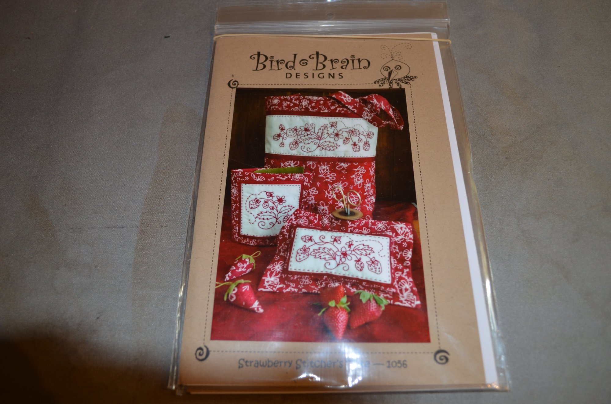 Strawberry Stitcher's Tote PATTERN Bird Brain BBD1056