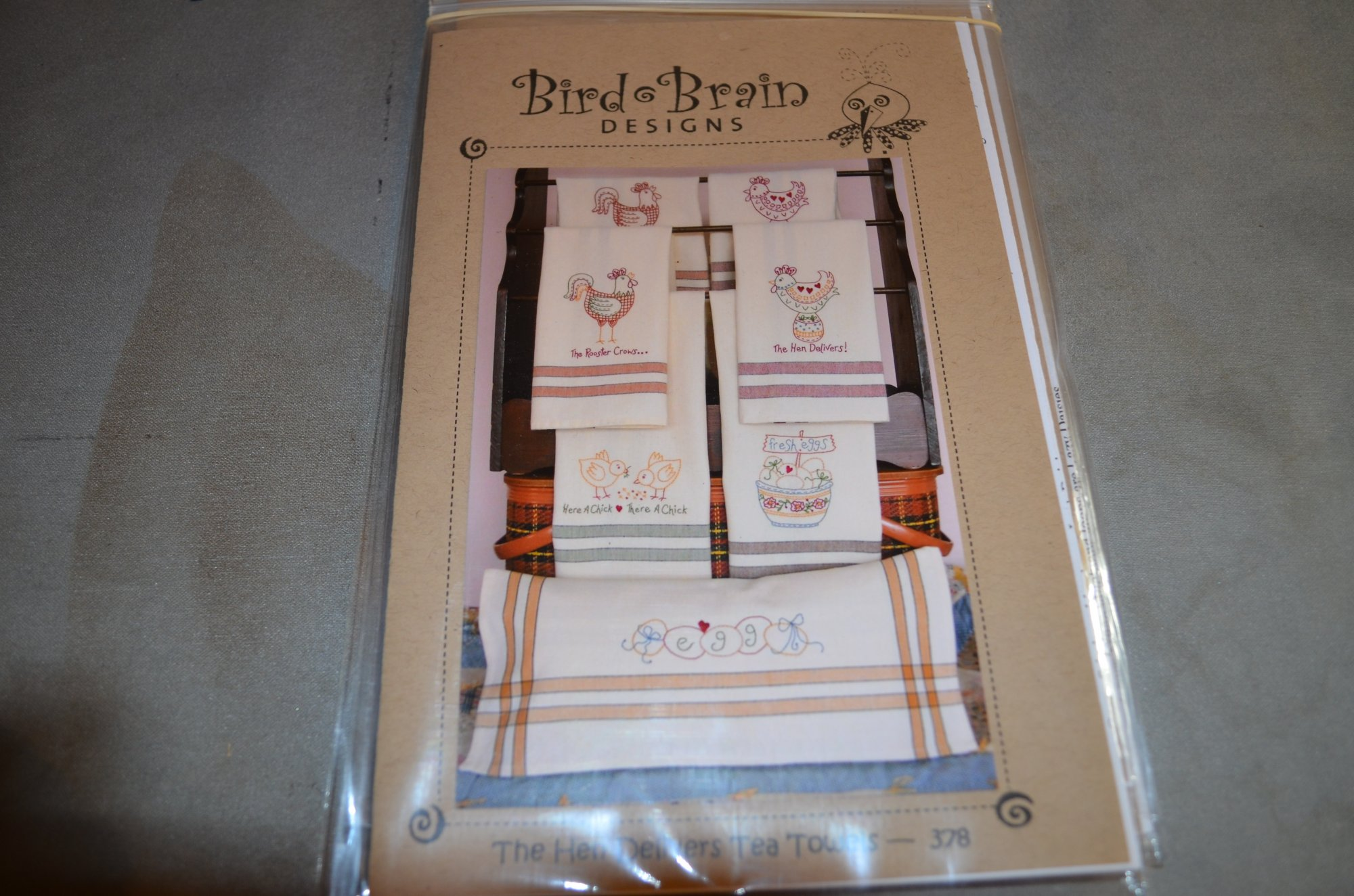 The Hen Delivers Tea Towels PATTERN Bird Brain BBD378