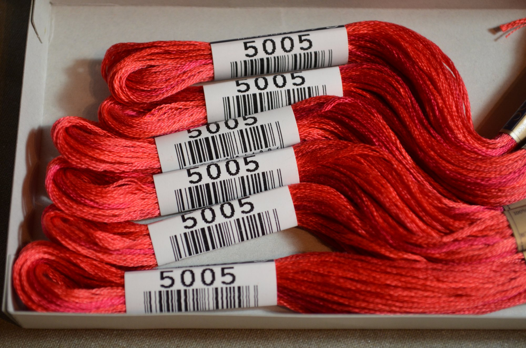 Cosmo Embroidery Floss 8.75Y  LEN80-5005  color 5005