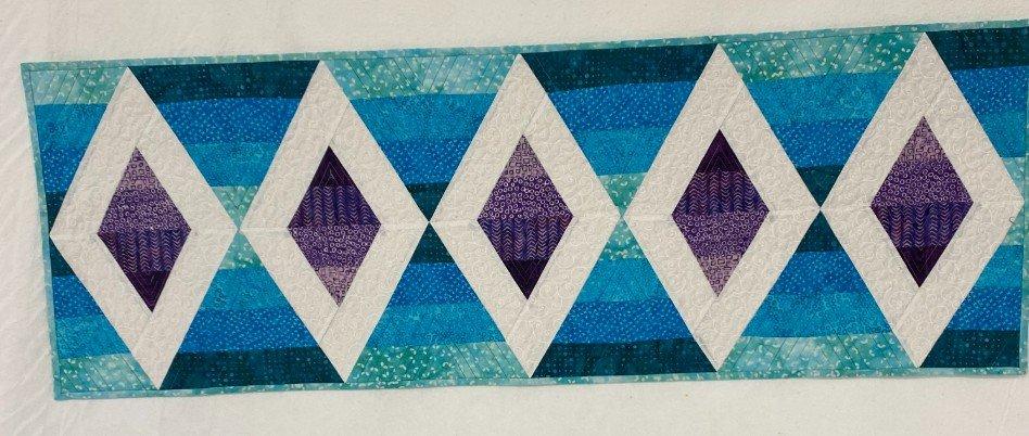 Kit Aztec Diamond Table Runner
