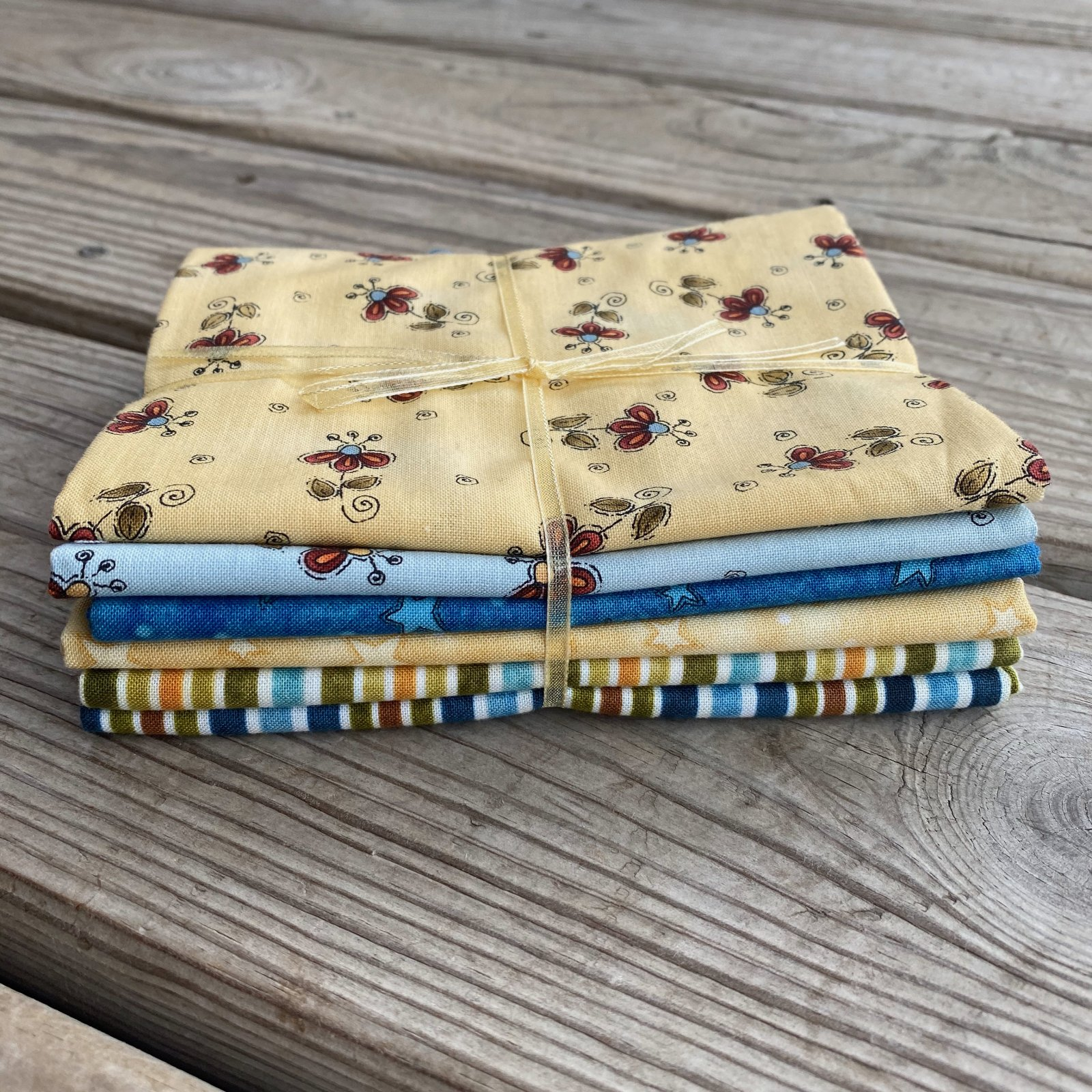 Floral, Star, Stripe Fat Quarter Bundle