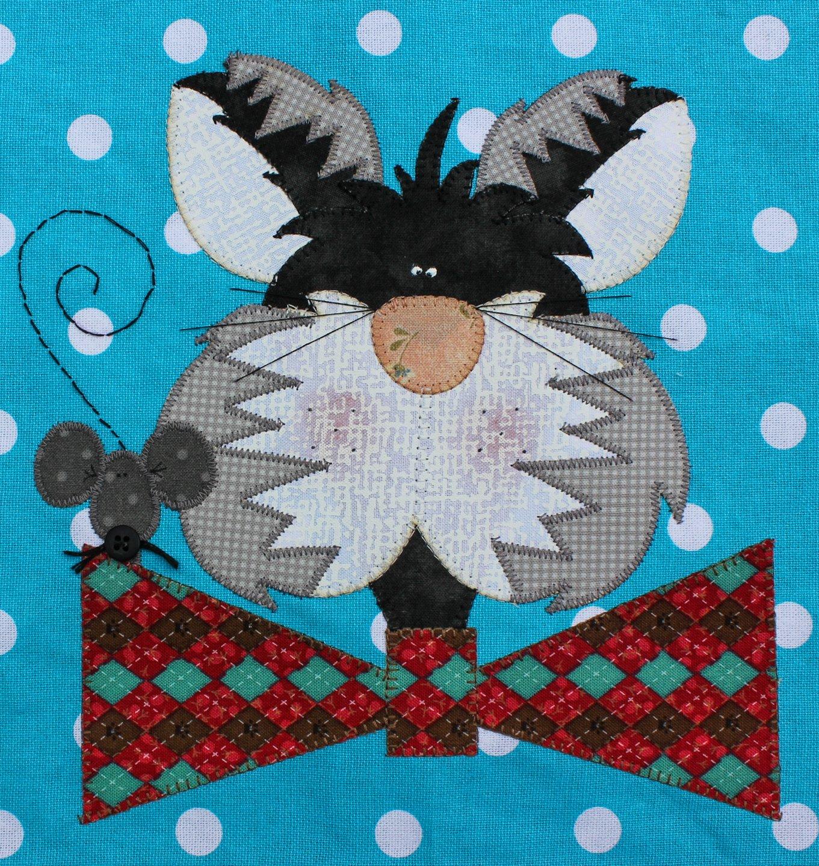 Siberian Bowtie Cat Precut Fused Applique Kit