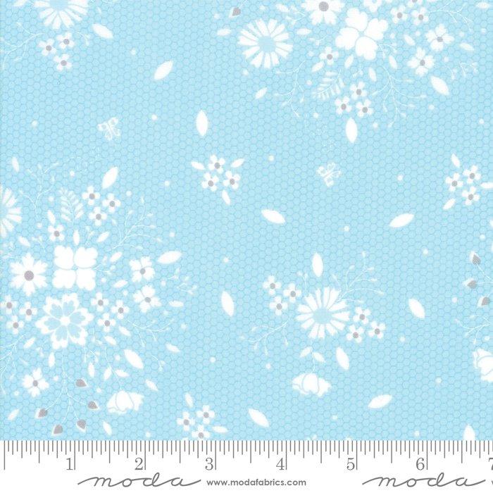 Sugarcreek by Moda Fabrics 29071-18