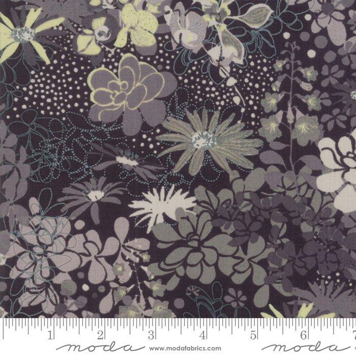 Stiletto by Moda Fabrics 30610-11