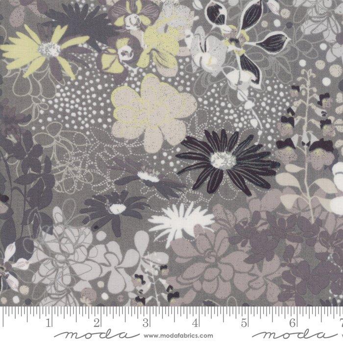 Stiletto by Moda Fabrics 30610-13