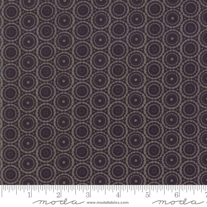 Stiletto by Moda Fabrics 30616-12
